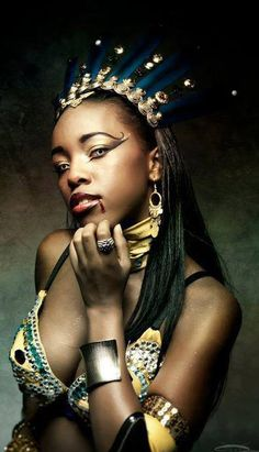 Character: Queen Akasha  Series: Queen of the Damned