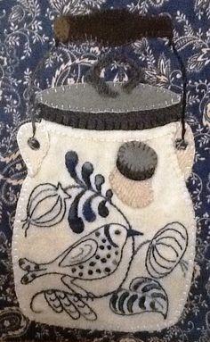 Auntie Ju's Quilt Shoppe  - Birdie Batter Crock kit, $27.99 (http://stores.auntiejusquiltshoppe.com/birdie-batter-crock-kit/)