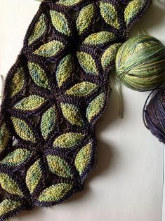 Knitting Patterns Scarves Ravelry: Project Gallery for Knitted Scarf Murano pattern by Svetlana Gordon leaves Knitting Stitches, Knitting Yarn, Knitting Patterns, Crochet Patterns, Free Knitting, Diy Tricot Crochet, Knit Or Crochet, Shawl Patterns, How To Purl Knit