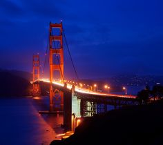 Fietsen over de Golden Gate Bridge in San Francisco. https://www.hotelkamerveiling.nl/hotels/verenigde-staten/hotel-san-fransisco.html