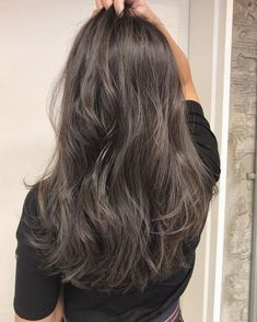 Tomorrow is after on the last day of the year on Light Brown Hair, Dark Hair, Medium Hair Styles, Curly Hair Styles, Dye My Hair, Hair Highlights, Textured Hair, Hair Looks, Pretty Hairstyles