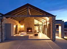 Richard E. Shackleton Architects - Dunedin based architects specializing in home design and alterations.