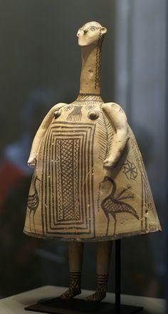 Zena z terracotty Boiotie Pozdní geometrické, Se svastikou 700 B. Minoan, Artemis, Idol, Louvre, Pottery, Sculpture, Funeral, Figurative, Period