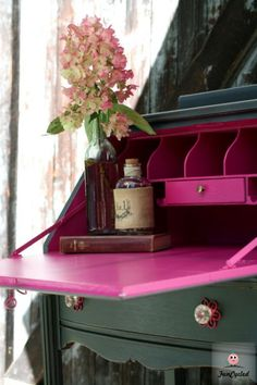 Grey and Hot Pink Secretary Desk – Tuesday's Treasures (not hot pink but I like the use of a bright color inside) Refurbished Furniture, Paint Furniture, Repurposed Furniture, Furniture Projects, Vintage Furniture, Furniture Plans, Classic Home Furniture, System Furniture, Coaster Furniture