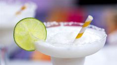 Let's raise a glass of this coconut lime margarita this Cinco de Mayo