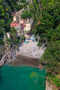 Furore, Italia. Tilt Shift Photography, Us Travel, Old Town, Paths, Places To Go, Beautiful Places, Spain, Castle, Europe
