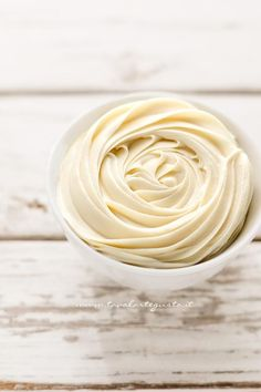 Ganache al cioccolato bianco - Ricetta Crema Ganache al cioccolato bianco