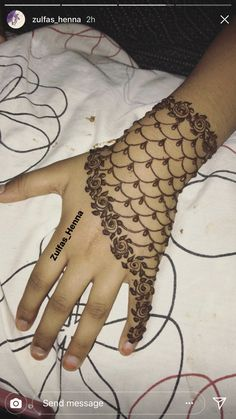 Henna Tattoo Designs, Henna Tattoo Foot, Henna Ink, Bridal Henna Designs, Mehndi Art Designs, Henna Body Art, Latest Mehndi Designs, Simple Mehndi Designs, Hand Henna