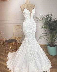 wedding dress trumpet Mermaid wedding dresses shows the beautiful curve of the brides perfectly.Visit Yesbabyonline store to shop Straps V-neck Appliques Mermaid Lace Wedding Dresses Satin Mermaid Wedding Dress, V Neck Wedding Dress, Top Wedding Dresses, Wedding Dress Trends, Mermaid Dresses, Cheap Wedding Dress, Bridal Dresses, Wedding Gowns, Wedding Cakes