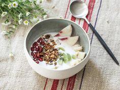 Granola, Tapas, Ramen Bowl, Slab Pottery, Original Gifts, Dessert Bowls, Mixing Bowls, Ceramic Plates, Serving Dishes