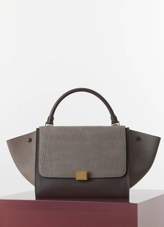MEDIUM TRAPEZE HANDBAG IN GREY STAMPED CROCODILE NUBUCK CALFSKIN 30 X 24 X  15 CM (12 X 9 X 6 IN) CALFSKIN AND LAMBSKIN LINING 169543XDD.10DC 1.900 EUR 80fc0094b2