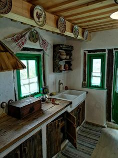 Traditional House in Maramures, Casa Glod in Romania Kitchen Trends 2018, Rural House, Earth Homes, Cozy Cottage, Cabin Homes, Traditional House, Romania, My Dream Home, Home Accessories