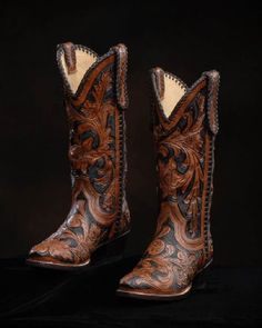 Absolutely gorgeous boots from Leddy's in the Fort Worth Stockyards. Held them in my hand this past weekend and it was painful to put them down. Cowgirl Outfits, Cowgirl Boots, Western Boots, Cowgirl Fashion, Cowgirl Style, Western Style, Shoe Boots, Shoes Sandals, Tall Boots