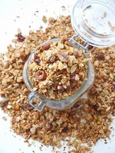 Världens godaste granola Granola granola g till dl Meat Recipes For Dinner, Healthy Crockpot Recipes, Lchf, Muesli, Ground Beef Recipes, Food Videos, Sweet Tooth, Food And Drink, Yummy Food
