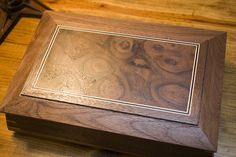 Justin creates a lovely keepsake box for his girlfriend, featuring splined miters!