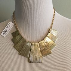 Nwt Ny & Company Gold Shaped Etched Necklace
