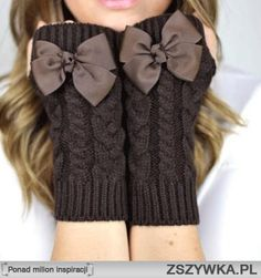 fingerless bow cable knit gloves - cute idea for a gift. :-)
