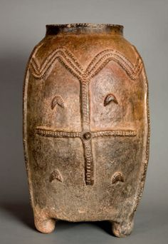 Africa | A vessel for storing grain from the Kurumba peoples of Burkina Faso.