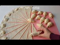 In this video tutorial you can find : free crochet pineapple stitch lace patterns, beautiful wide crochet lace, crochet fish stitch lace, crochet peacock fea. Sweets Recipes, Healthy Recipes, Albanian Recipes, Pineapple Crochet, Bread Bun, Arabic Food, Snacks, Macarons, Recipies