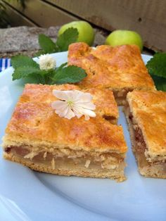 Mama's bester Apfelkuchen vom Blech Mama's best apple pie on the tin // Sweet apple slices wrapped in shortcrust pastry // Applepie Austrian Style // Bakingbarbarine Apple Strudel Recipe From Scratch, Apple Crisp Bars Recipe, Strudel Recipes, Pie Recipes, Pastry Recipes, Healthy Pumpkin Bars, Best Apple Pie, Pork Stew, Shortcrust Pastry