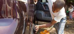Lavadores de carros desempenham suas funções com muito orgulho https://angorussia.com/noticias/angola-noticias/lavadores-carros-desempenham-suas-funcoes-orgulho/