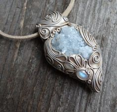 Moonstone and Celestite Pendant Metal Clay Jewelry, Jewelry Art, Jewelry Gifts, Jewelry Design, Unique Jewelry, Handmade Jewelry, Jewlery, Crystal Jewelry, Gemstone Jewelry