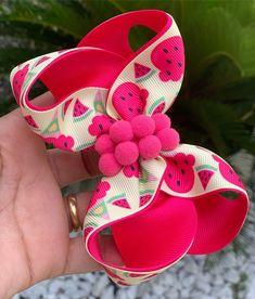 Diy Hair Bows, Diy Bow, Diy Hairstyles, Pretty Hairstyles, Diy And Crafts, Arts And Crafts, Dog Items, Ribbon Bows, Hair Clips