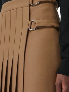 Burberry Pleated Skirt - Farfetch in 2019 Moda Outfits, Girly Outfits, Burberry, Minimal Fashion, Timeless Fashion, Man Skirt, Dress Skirt, Foto Fashion, Fashion Details