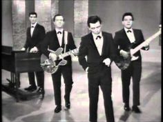Frankie Valli and the Four Seasons on The Ed Sullivan Show. I went and saw Jersey Boys and it reminded me how much I like their music. Sound Of Music, Kinds Of Music, 20th Century Music, Frankie Valli, The Ed Sullivan Show, 60s Music, Jersey Boys, Smooth Jazz, Motown