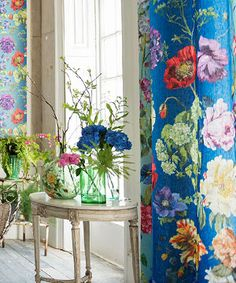 New Ideas For Wall Paper Blue Flowers Designers Guild Decor, Colorful Interiors, Bohemian Decor, Wallpaper, Decor Inspiration, Fabric Wallpaper, Designers Guild, Tricia Guild, House Colors