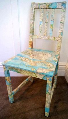 географические карты в интерьере - стул декупаж