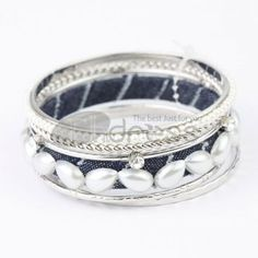 http://www.thdress.com/Silver-+-Blue-6-laps-alloy-bracelet-p13536.html