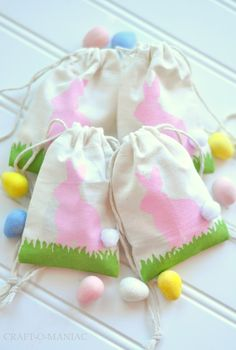 DIY Easter Bunny Stenciled Favor Bags www.craft-o-maniac.com