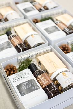 Best Corporate Gifts Ideas HOLIDAY GIFT BOX// White and brown corporate holiday gift boxes custom designed for company clients, curated by Marigold & Grey. Custom Gift Boxes, Customized Gifts, Personalized Gifts, Custom Gifts, Corporate Gifts, Corporate Events, Holiday Fun, Holiday Gifts, Santa Gifts