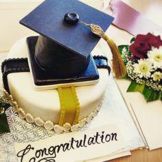 Great idea for graduation cake