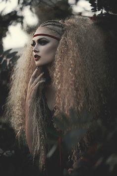 Photo: Amanda Diaz Photography Model: Josie @ NUMA Gothic and Amazing Ombré Hair, Big Hair, Hair Art, Fantasy Photography, Portrait Photography, Pelo Editorial, Amanda Diaz, Modeling Fotografie, Avant Garde Hair