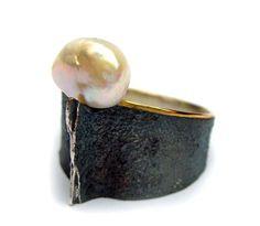 ...Elisenda de Haro, ring