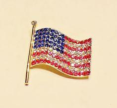 1555~Vintage Gold Tone Patriotic Figural Red White Blue Rhinestone Flag Brooch**