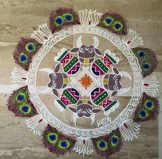 Colorful Rangoli Designs, Beautiful Rangoli Designs, Kolam Designs, Indian Rangoli, Kolam Rangoli, New Year Rangoli, Rangoli Ideas, Floor Art, Simple Rangoli