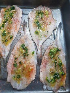 Peixet al forn Salmon Recipes, Fish Recipes, Seafood Recipes, Grilling Recipes, Cooking Recipes, Healthy Recipes, Pescado Recipe, Fish Dishes, Fish And Seafood