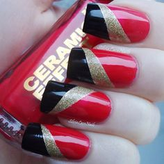 Nails. Nail Art. Nail Design. Polished. Red, black, gold, glitter. Glamour. Luxury. Instagram photo by silvialace