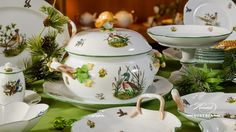 Category: Services and Sets on Herend Experts Forest Plants, Country Walk, Christmas Delivery, Mocca, Elegant Table, Dinner Sets, Fine China, Green Leaves, Pet Birds