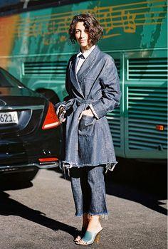 Yasmin Sewell's adventurous frayed denim-on-denim is utter perfection! // #Fashion #Trend