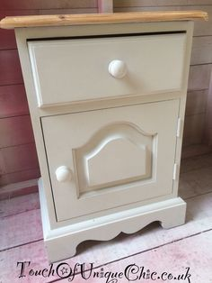 ��Beautiful Solid Pine Bedside Cabinet Shabby Chic. ��delivery available ��