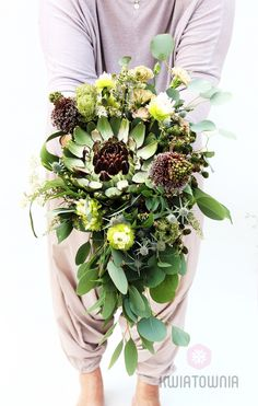 #kwiatownia #bouquet #bridal #bride #bridesmaid #slub #wesele #bridalbouquet #flowers #flowerinspirations #inspirations #weedingday #floral #art #design Weeding, Bouquets, Floral Wreath, Bridesmaid, Wreaths, Table Decorations, Bridal, Flowers, Design