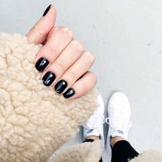 """""""chic mani brought to you by a bobby pin and an tutorial ✨ """" color match: suzi skis in the pyrenees Crazy Nails, Love Nails, Fun Nails, Lauren Davis, Sharp Nails, Olive And June, Fall Nail Art Designs, Minimalist Nails, Nail Decorations"""