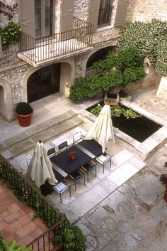 vintage French courtyard