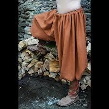 GALLIGASKINS. Calzones aún más holgados que los venecianos. Se usaron hacia 1570.