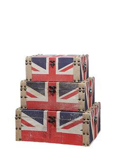 @Brittany Huffman there are some cute union jack items on Ideeli today :)