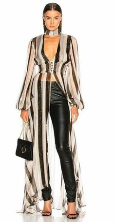 Caroline Constas Syros Top in Black & Gold Diva Fashion, Fashion Story, Fashion Stylist, Look Fashion, Fashion Trends, Fashion Boots, Black And Gold Outfit, Black Gold, Chic Outfits